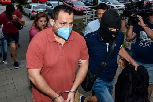 zadržaný Pavol Ďurka prichádza