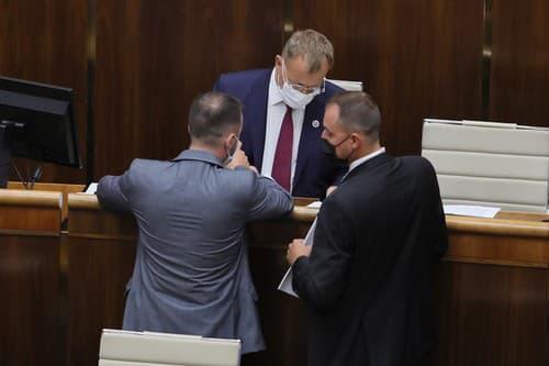 Vládnuť bez Borisa Kollára?