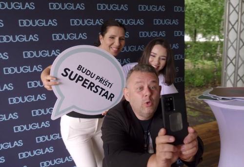 Do Superstar prišla DCÉRA