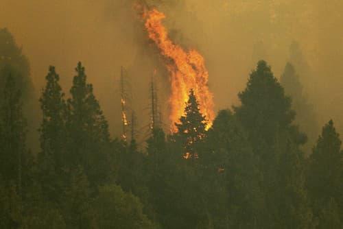 Obrovské požiare v Kalifornii