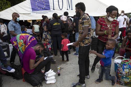 VIDEO Tisíce migrantov sa