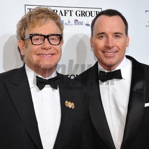 Elton John so svojim