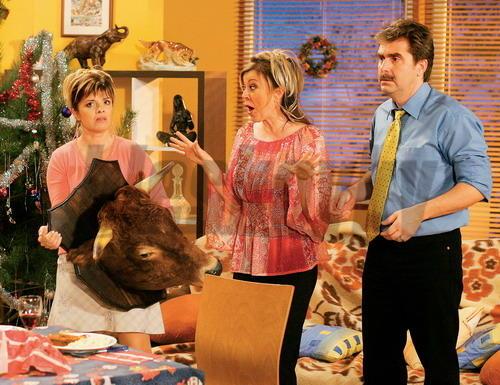 Zábery zo seriálu Susedia
