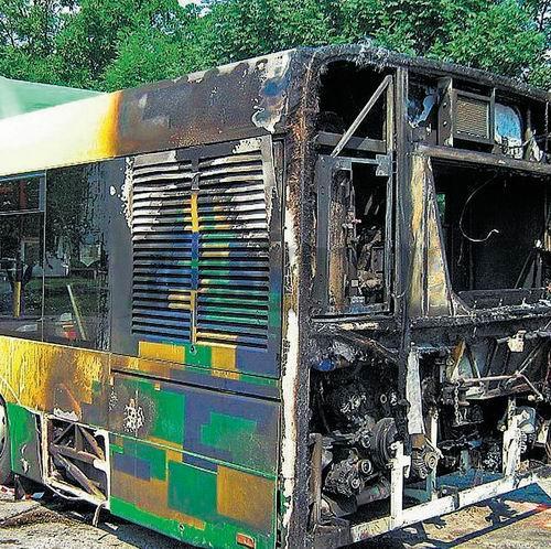 solaris-autobus-nehoda-poziar-.jpg