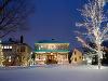 Vianočne ozdobený dom