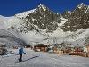 Na snímke skialpinista sa
