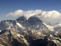 Nepál čelí obrovskej výzve identifikovať telá z Everestu, sú ohlodané takmer na kosť