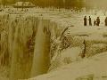 Zamrznuté Niagarské vodopády v