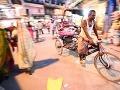 Vodič rikše v uliciach