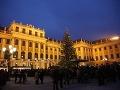 Vianočné trhy pred zámkom