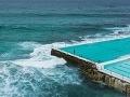 Bazén priamo pri mori