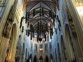 Interiér gotickej katedrály sv.