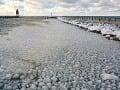 Ľadové gule na okraji