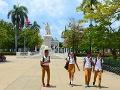 Školáci na Kube