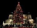 Vianočný strom pred Pamätníkom