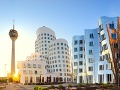 Düsseldorf: Rheinturm und Neuer