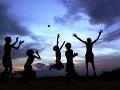 Indické deti sa hrajú