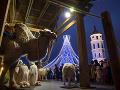 Vianočný betlehem, rozsvietený vianočný