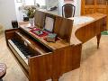 Klavír, na ktorom možno