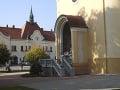 Lurdská kaplnka za svätyňou