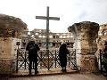 Ľudia počas návštevy Kolosea