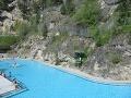 Od termálneho bazénu v
