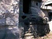 VÝLET Kamenné obydlia