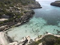 Pláž Cala Binidali, Menorka