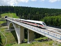 Vlaky konkurujú lietadlám: Z