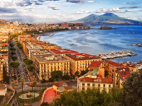 Taliansky Neapol, v pozadí