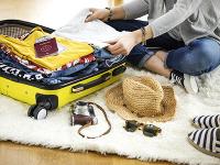 Radíme: Čo patrí do príručnej a čo do podanej batožiny na dovolenku?