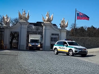Na Bratislavský hrad doviezli