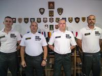 Na snímke členovia Policajného