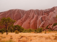 Uluru s vodopoádmi