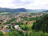 Výhľad z hradu na