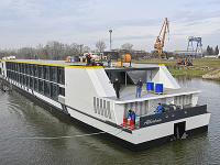 Prvá slovenská loď: V