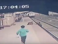 VIDEO hrôzy: Dieťa delili