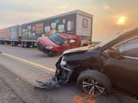 Hromadná havária 20 vozidiel,