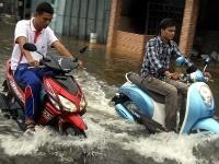 Záplavy v Thajsku zabíjali,