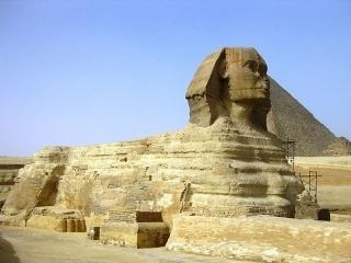 Pyramídy a Veľká sfinga,