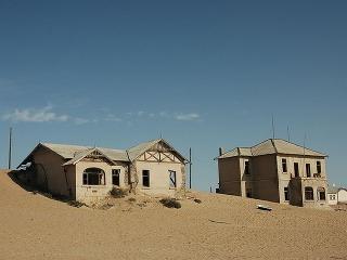 Prázdne domy, ktoré postupne