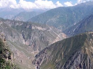 da9ab93eb Vzdialené a exotické Peru: 5 dôvodov prečo v Južnej Amerike neobísť  mestečko Arequipa | Dromedár.sk