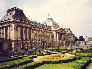 Kráľovský palác a záhrady