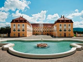 Zámok Schloss Hof