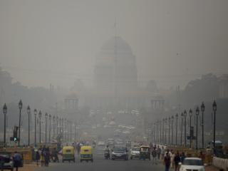 Budova prezidentského paláca zahalená