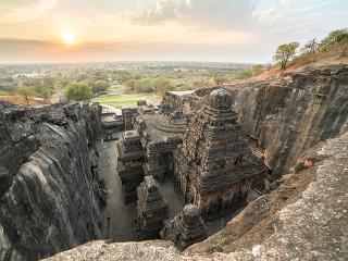 Indický chrám Kailasa
