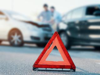 b58a95962 Dovolenka autom v zahraničí. Čo robiť v prípade havárie? | Dromedár.sk