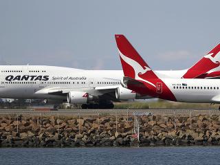 Pohľad na dve lietadlá