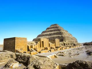Džóserova pyramída v Sakkáre