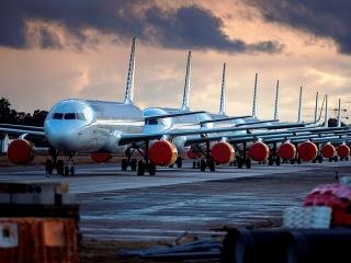 Uzemnené letadlá
